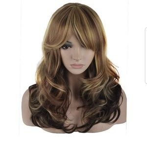 Nwt 20in blonde Auburn synthetic fiber wig.